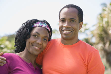 african american couple: African couple hugging