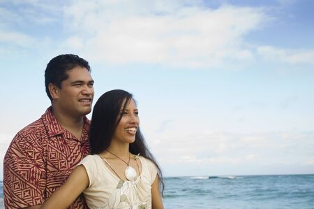 islander: Pacific Islander couple at beach LANG_EVOIMAGES