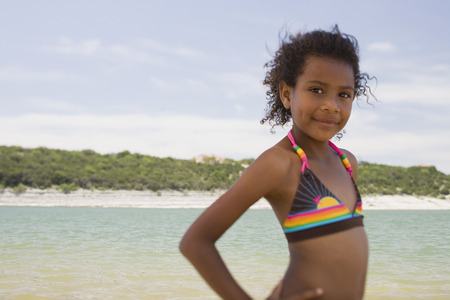 African girl wearing bikini on beach Banque d'images
