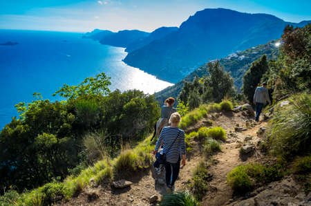 Group of firiends on a trail trail the Path of Gods at the Amalfi coast