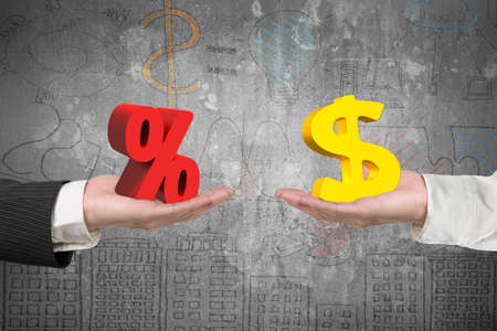 Symbole du Dollar sur un signe de la main et le pourcentage d'un autre côté, avec des concepts d'affaires griffonnages fond, concept d'affaire et des bénéfices. Banque d'images - 41514405