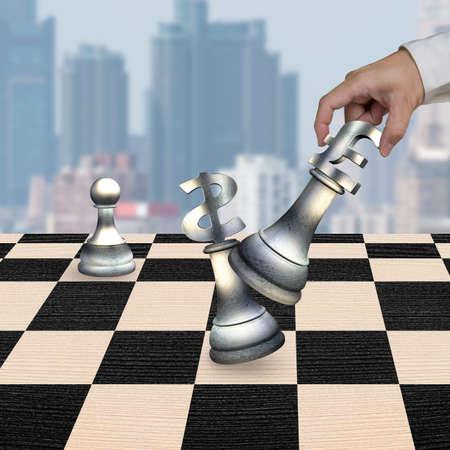 libra esterlina: La mano del hombre que juega el dinero en moneda piezas símbolo de ajedrez, con el símbolo de la libra esterlina signo de dólar jaque mate.