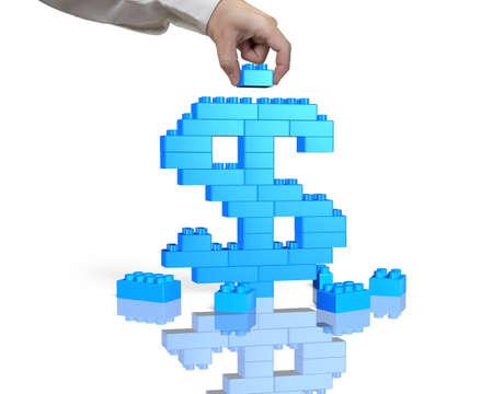 signos de pesos: La mano del hombre la celebración de un bloque azul para completar dólar shape, aislado sobre fondo blanco.