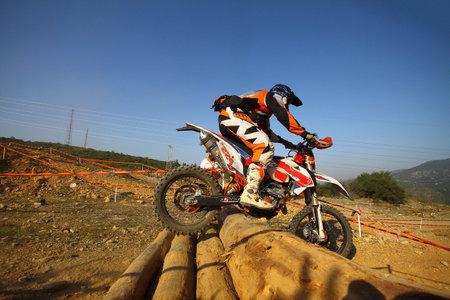 Bodrum, Turkey, 07 November 2015: The 6. leg races  of Turkey Enduro Championship has been made by the organization of Turkey Motorcycle Federation. Foto de archivo - 161467615