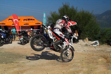 Bodrum, Turkey, 07 November 2015: The 6. leg races  of Turkey Enduro Championship has been made by the organization of Turkey Motorcycle Federation. Foto de archivo - 161467622