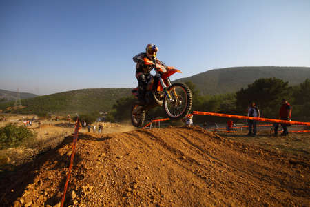 Bodrum, Turkey, 07 November 2015: The 6. leg races  of Turkey Enduro Championship has been made by the organization of Turkey Motorcycle Federation. Foto de archivo - 161467595