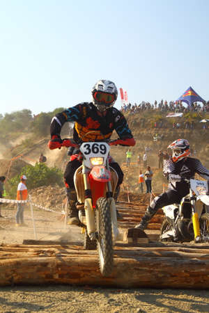 Bodrum, Turkey, 07 November 2015: The 6. leg races  of Turkey Enduro Championship has been made by the organization of Turkey Motorcycle Federation. Foto de archivo - 161467641