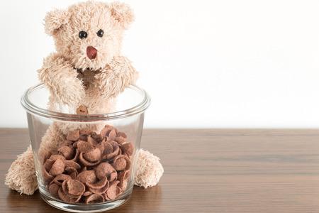 teddy bear would like eat chocolate breakfast cereal breakfast 版權商用圖片
