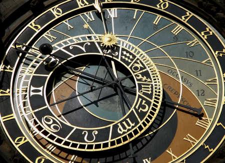cronologia: Reloj astron�mico de Praga en s Foto de archivo