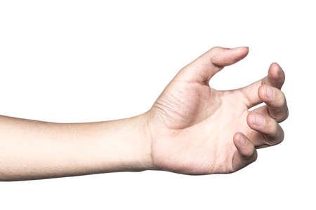 Cierre la mano sosteniendo algo como una botella o puede aislado sobre fondo blanco con trazado de recorte.