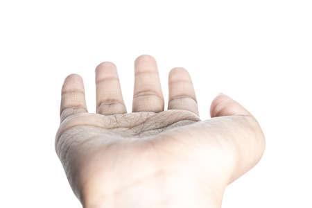 Cerca de hermosa mano aislada sobre fondo blanco con trazado de recorte.