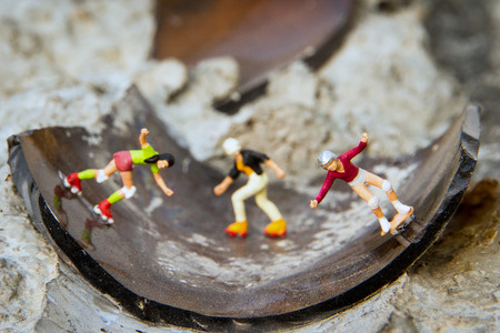 skaters: Tiny toy skaters