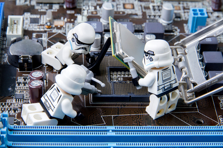 Nonthabure, Thailand - May, 05, 2016: Lego star wars repairing computer motherboard.The lego Star Wars mini figures from movie series.Lego is an interlocking brick system collected around the world. Redactioneel