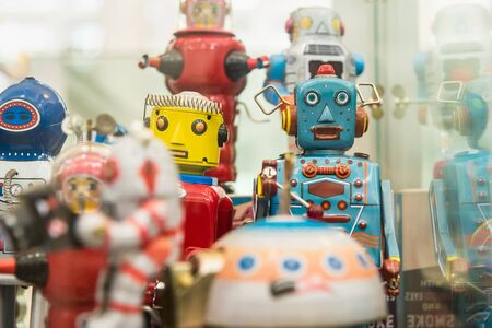 Toy robot made of zinc as a collector 報道画像