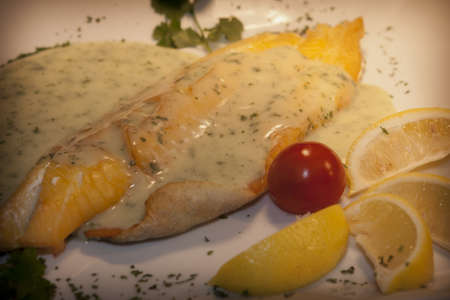 smoked haddock fillet with creamy parsley sauce