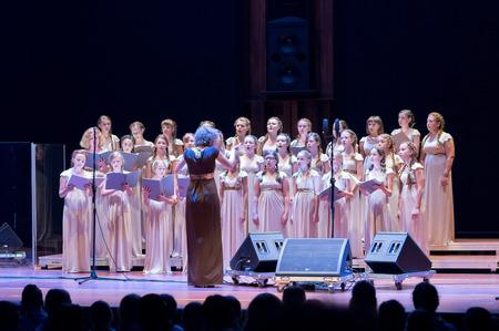 Poznan, Polen - 20140919; VIVAT MUSICA kinderkoor, Riwne, Oekraïne; Dirigent: Natalia Pawluczuk; Foto genomen tijdens Trillme International Meisjes