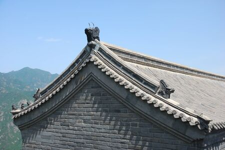 chinese wall: Roof of chinese templenear the Great Wall