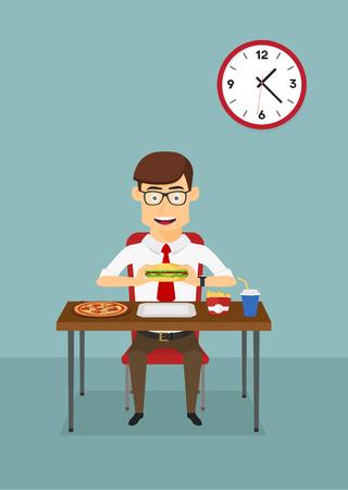 almuerzo: El hombre de negocios de comer la cena de comida rápida con la hamburguesa, pizza, papas fritas y refresco en la mesa en la cafetería de la oficina, para el almuerzo de negocios o el diseño de la cena. estilo plano de dibujos animados Vectores