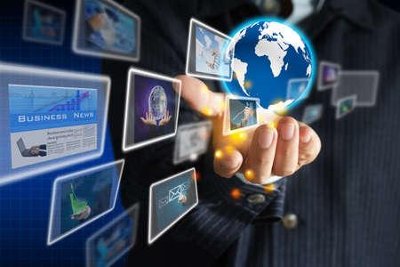 evento social: mano que sostiene el mundo de la colecci�n de negocio