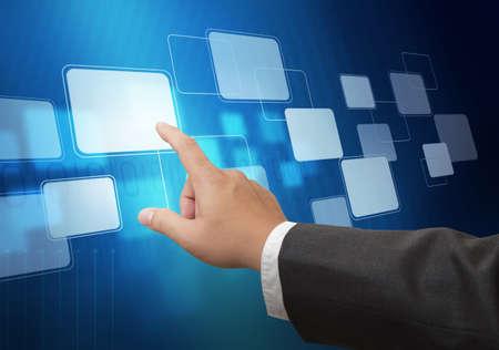 right ideas: negocio mano presionando el bot�n virtual como concepto