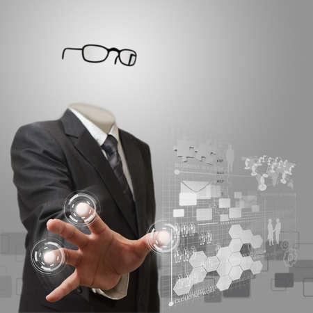 niewidoczny: niewidzialny człowiek biznesu pracy na nowoczesnej technologii