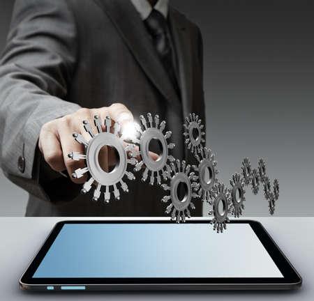 knowledge: Business-Mann Show Gang zum Erfolg von Touchscreen-Computer Lizenzfreie Bilder