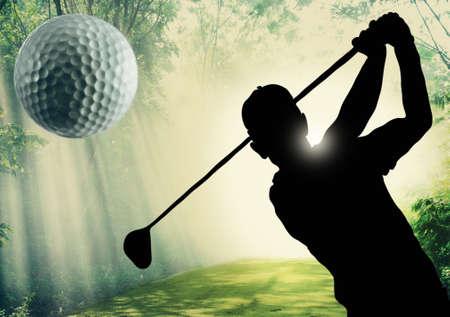 ゴルフ場のグリーンにボールを置くのゴルファー