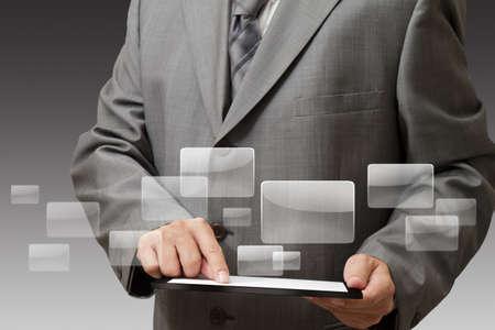 Pohledný podnikatel používat jeho digitální tablet