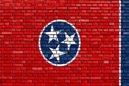 tennesse: bandera de Tennessee pintado en la pared de ladrillo