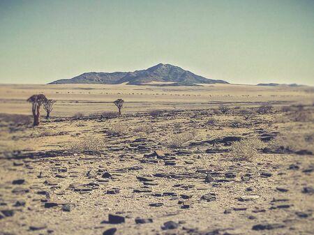 Blick auf das trockene Land in Namibia