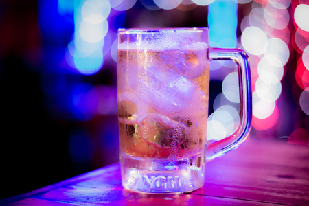 Night pub party. 版權商用圖片