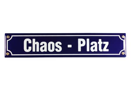 emaille: Chaos Platz German Enamel Street Sign Stock Photo
