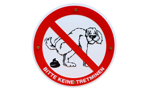 Hundehaufen keine Tretminen German sign Stock Photo - 16950213