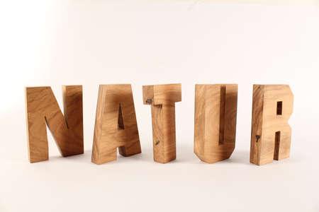 natur: NATUR testo in lingua tedesca in legno Sfondo lettere Holz Buchstaben bianco