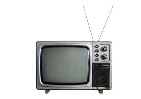television antigua: Un viejo televisor sobre fondo blanco