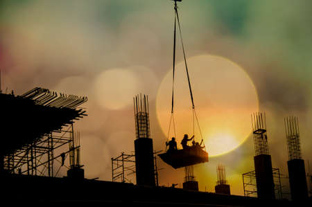 light worker: worker for construction with defocus of light background