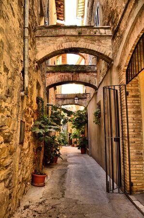 bevagna: Old alley in Bevagna