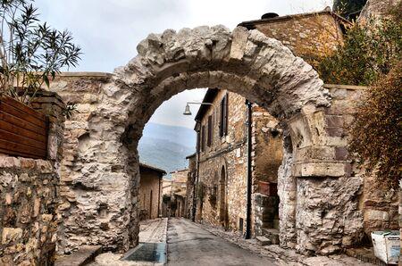 spello: Important arch in Spello