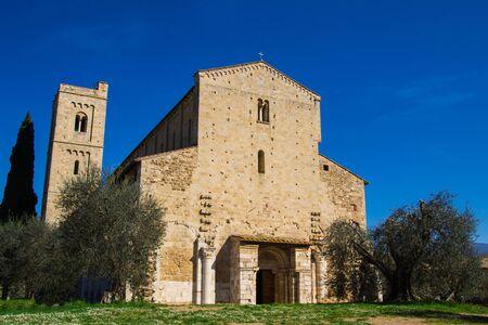 valdorcia: Sant Antimo Abbey near Montalcino in Tuscany, Italy Stock Photo