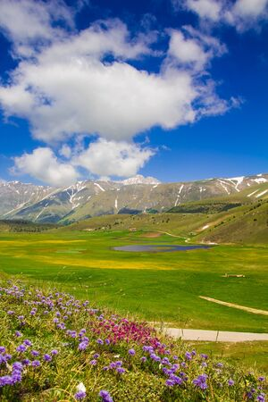 abruzzo: Image of Filetto lake in the Abruzzo park