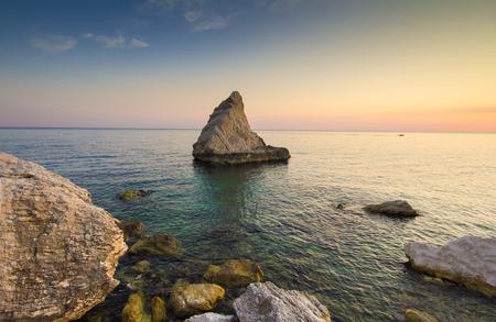 Photo of La Vela beach at sunrise, Monte Conero, Marche - Italy Zdjęcie Seryjne