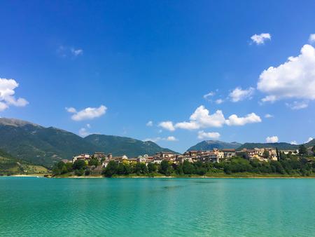 lazio: Scenic landscape of Turano lake in Lazio