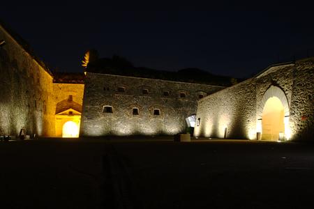 grate: Fortezza Ehrenbreitstein by night Editoriali