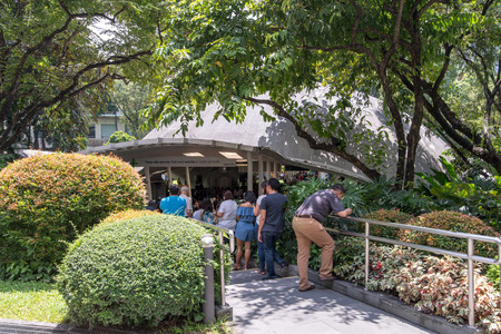 Sep 10, 2017 People praying at Sto Niño de Paz Chapel , Greenbelt , Makati , Philippines Editorial