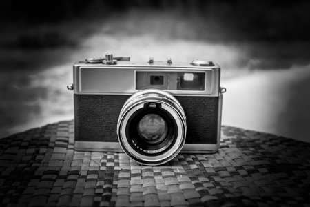 viewfinder vintage: old camera retro