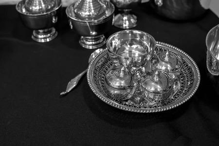 cubiertos de plata: plater�a thaistyle blanco y negro