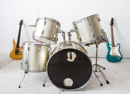 Guitar and drum kit Stock Photo - 17462659