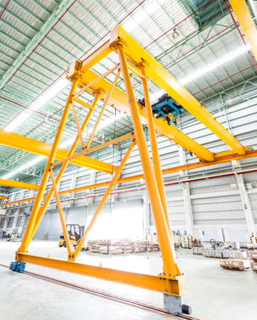 hoist: Gantry crane in factory Stock Photo