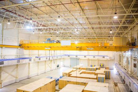 heave: Factory overhead crane Stock Photo
