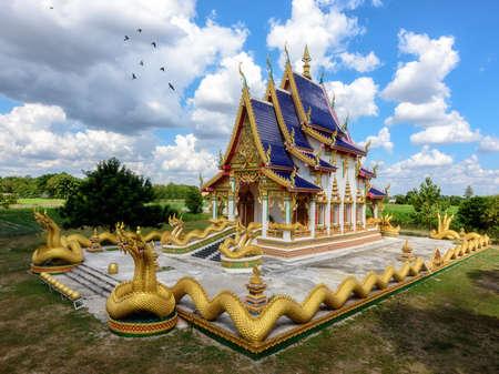 grand pa: Wat Pa Mahasan Temple Roi-Et, Thailand